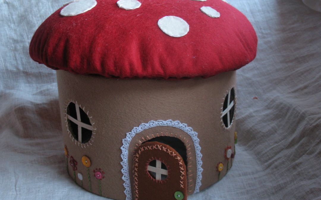 HOW TO MAKE A FELT MUSHROOM HOUSE